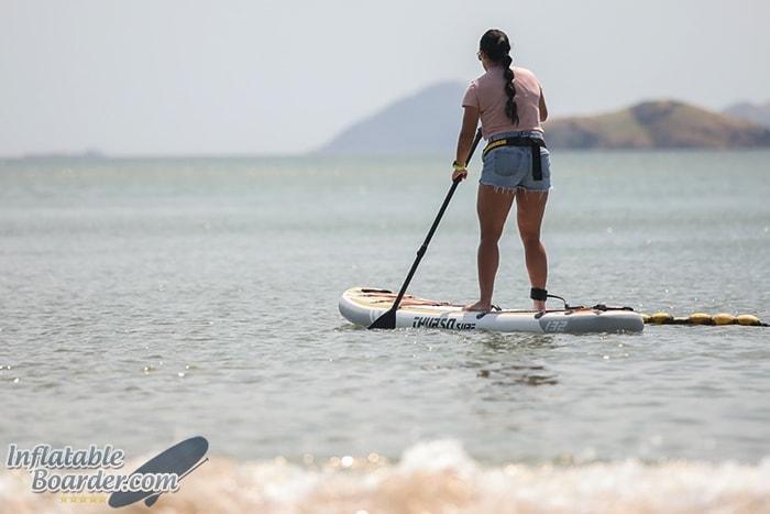 THURSO SUP Female Paddler