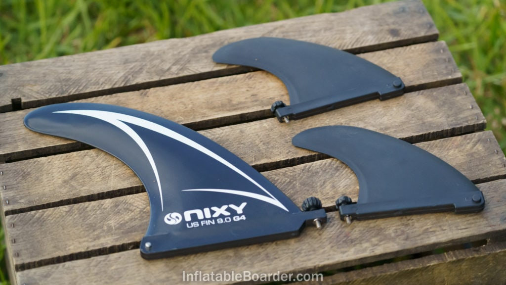 One large US Fin Box fin and two small fins feature integrated screw attachments.