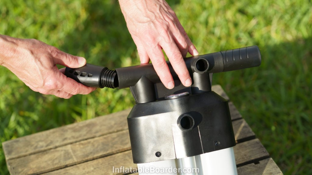 The pump handle ends are easily unscrewed for compact storage
