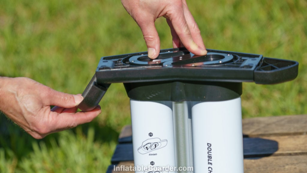 The feet of the pump fold inwards allowing for compact storage and carrying.