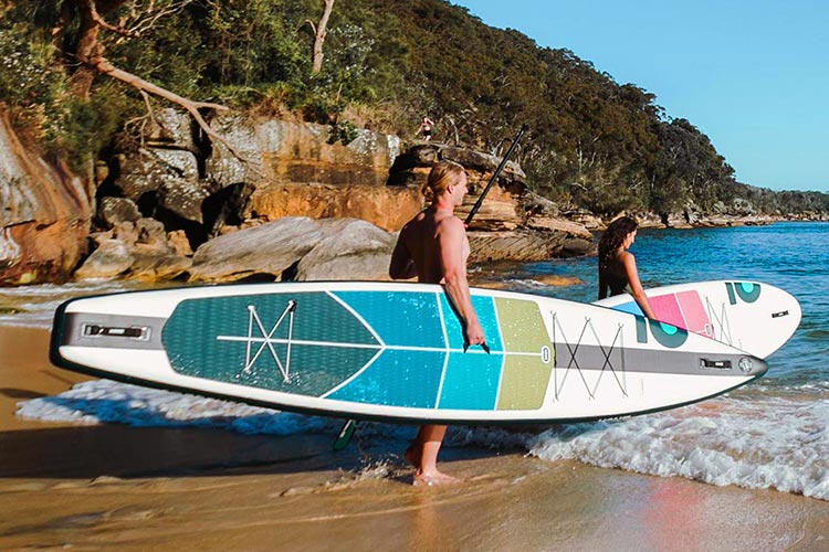 2021 HONU paddle boards released; Carrying Sorrento and Byron on beach